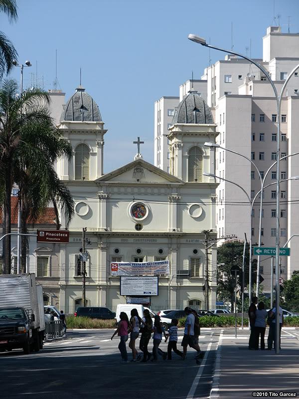 Local do Arco nos dias de hoje, mostrando apenas a Av.Tiradentes e a Igreja de São Cristóvão