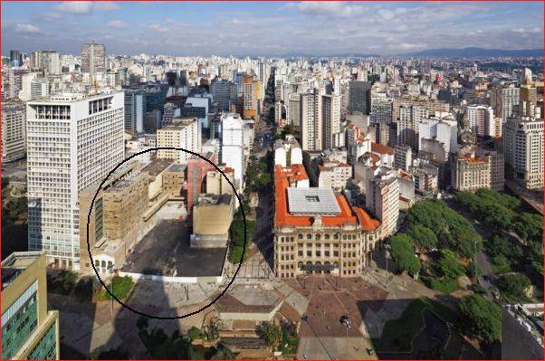 O local onde foram removidos edificações para continuidade de ampliação da praça das artes.