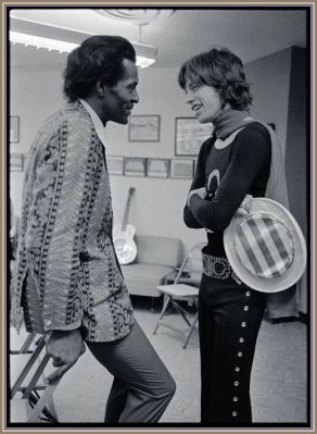 Chuck Berry com Mick Jagger antes do lendário show no Madison Square Garden em 1969 que fez parte do álbum Get Yer Ya-Yas Out!
