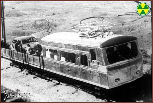 As gondolas que levavam automóveis para o alto da serra - Foto acervo de Edmundo Ferreira da Rocha