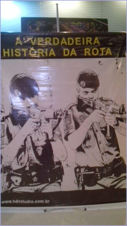 Cartaz de promoção do lançamento do documentário.
