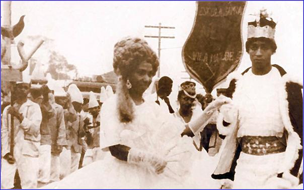 Rei e rainha eram o casal mais importante dos desfiles de carnaval paulistano, mas foram substituídos em importância pelo mestre-sala e porta bandeira ao estilo carioca