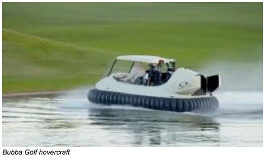 O golfista adotou seu mini hover para circular nos campos de golf.