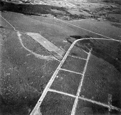 No início dos anos 30 neste local rural na Villa de Congonhas, no município de Santo Amaro, começou a funcionar a pista experimental conhecida como Campo de Congonhas, que se tornaria Aeroporto de Congonhas.