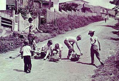 A geração da segunda metade do século passado tem em suas memórias uma brincadeira inesquecível.